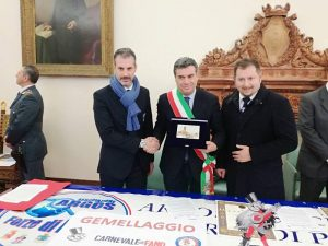 Firma Gemellaggio: Gianluca Guerrisi con il Sindaco di Fano Massimo Seri e Fausto Zilli