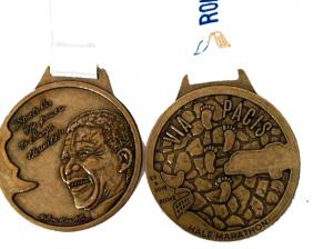 La medaglia del Rome Half Marathon Via Pacis 2018