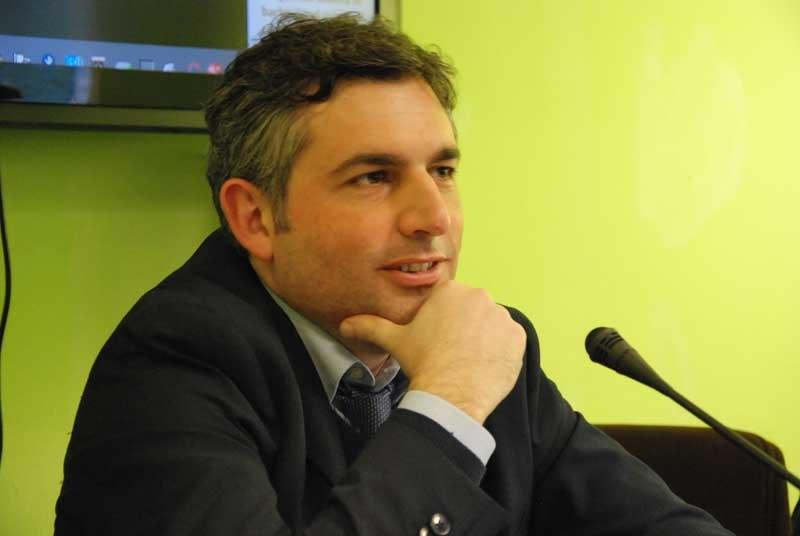 Il giornalista Marco Finelli, autore del libro Ambasciatori a Roma