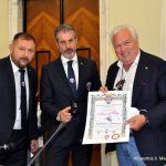 Premio Taccuino d'Oro 2021: da sinistra nella foto il dr Fausto ZILLI, il dr Gianluca GUERRISI con il Presidente USSI Gianfranco COPPOLA durante la premiazioni al CONI